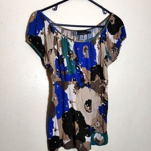 The LIMITED SHORT SLEEVE BLOUSE